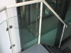 Custom-Made Toughened Laminated Balustrade Glass with Holes