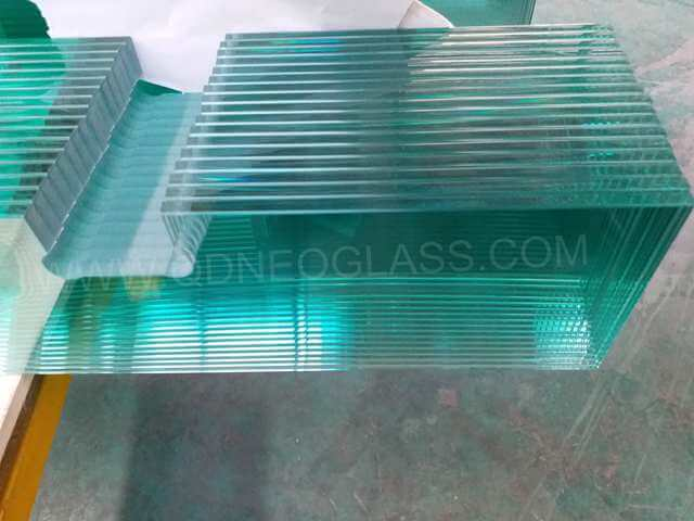 Tempered Louvre Glass with Cutouts